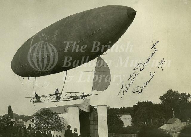 Santos Dumont Airship, Paris 1901